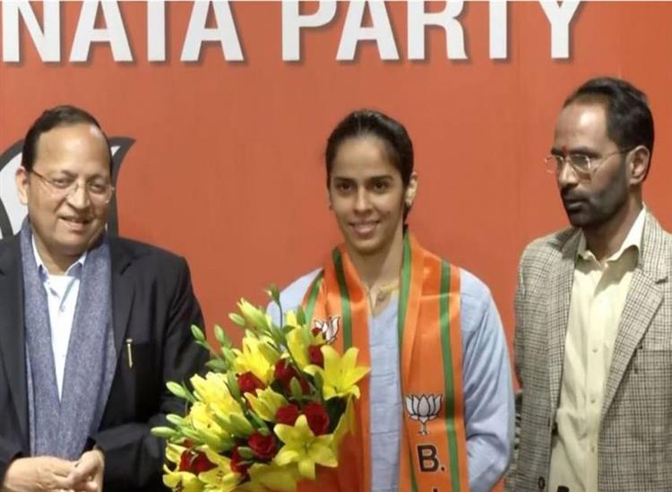 The Independence:Badminton-ace-Saina-Nehwal-joins-BJP